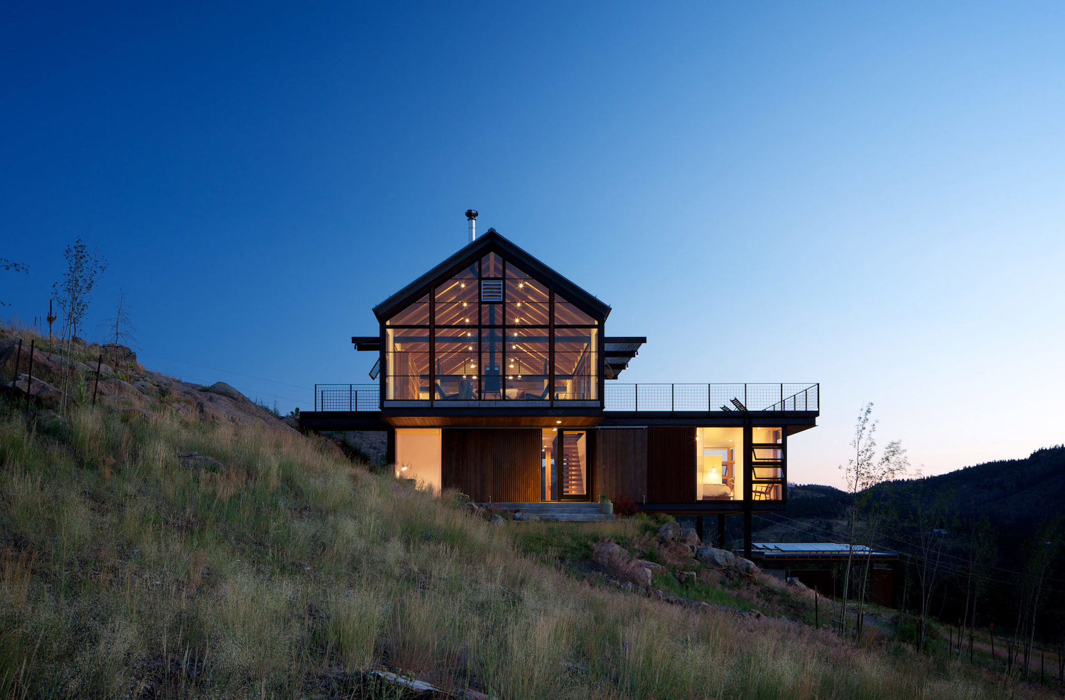 Twilight at Sunshine Canyon House by Renée del Gaudio Architecture.