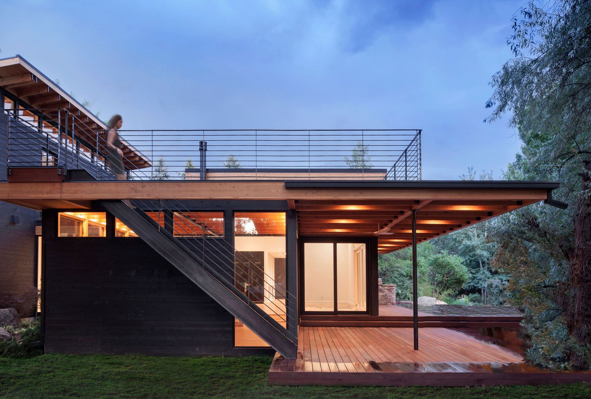 View of roof deck at Inside Out House by Renée del Gaudio Architecture